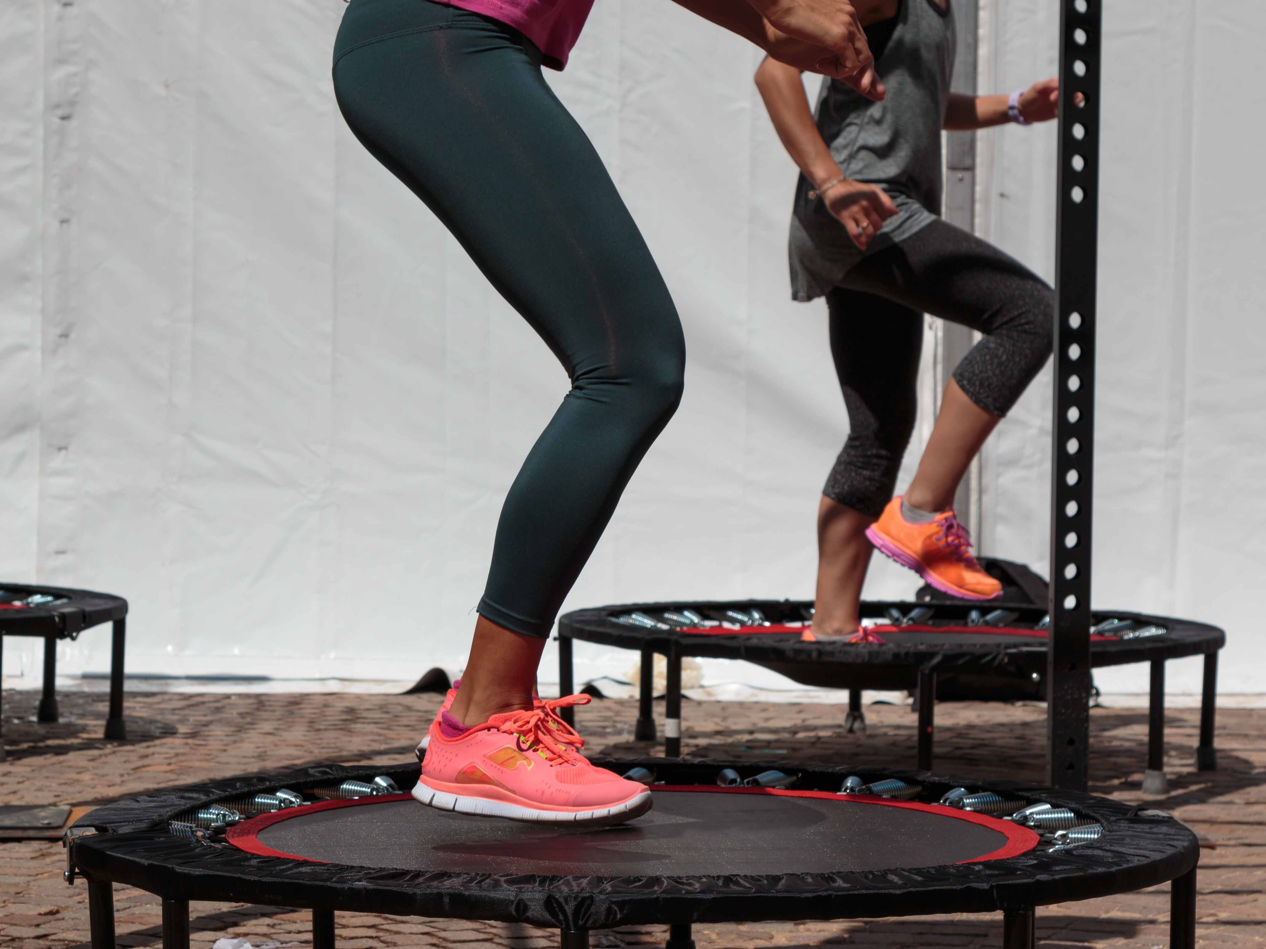LOSE WEIGHT ON TRAMPOLINE